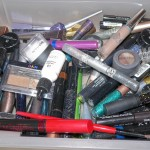 cluttered-makeup