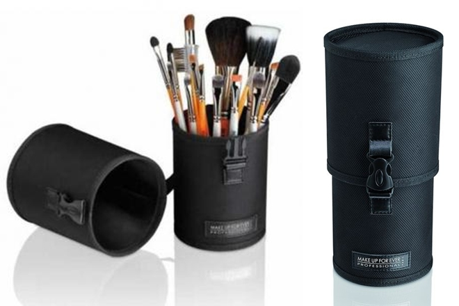 Make-Up-For-Ever-Dany-Pouch_productfull-horz