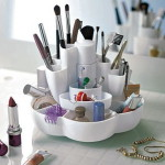 makeup-storage-in-tabletop-containers-1